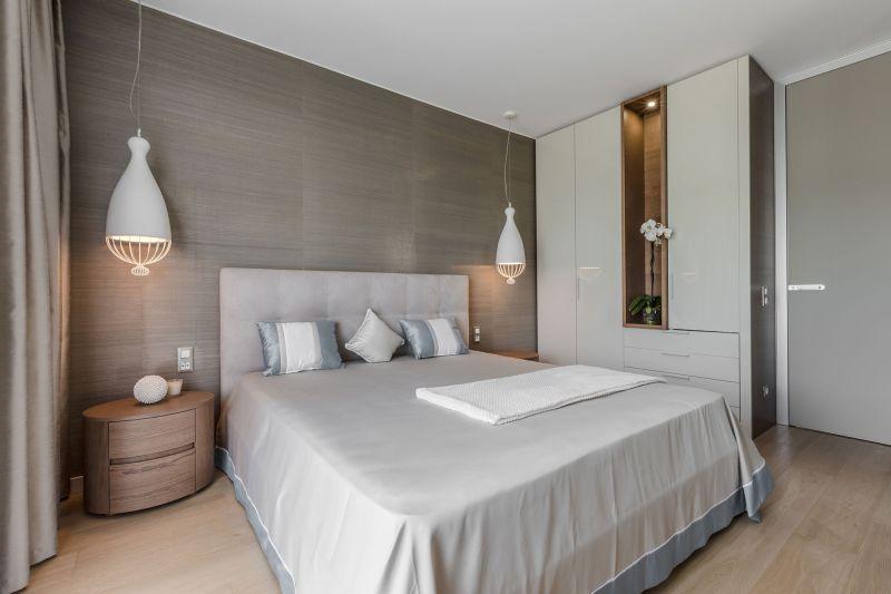 Villa in Bordighera master bedroom wardrobe