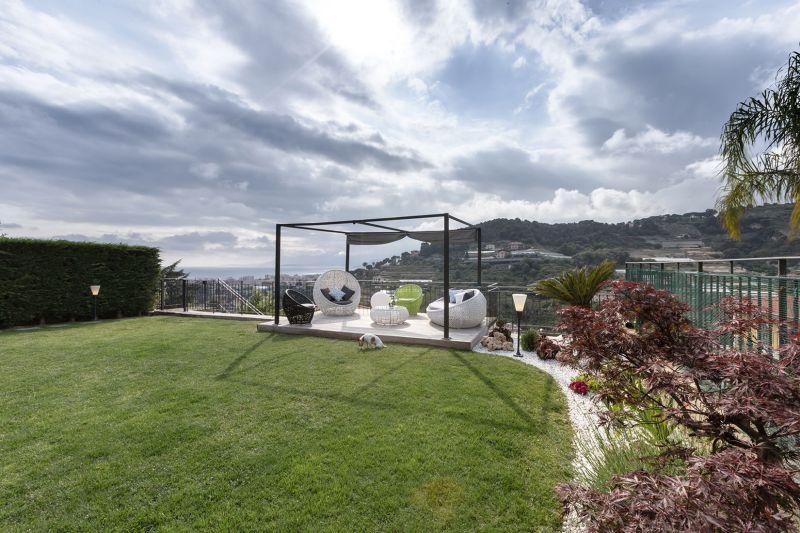Villa in Bordighera outdoor lounge platform