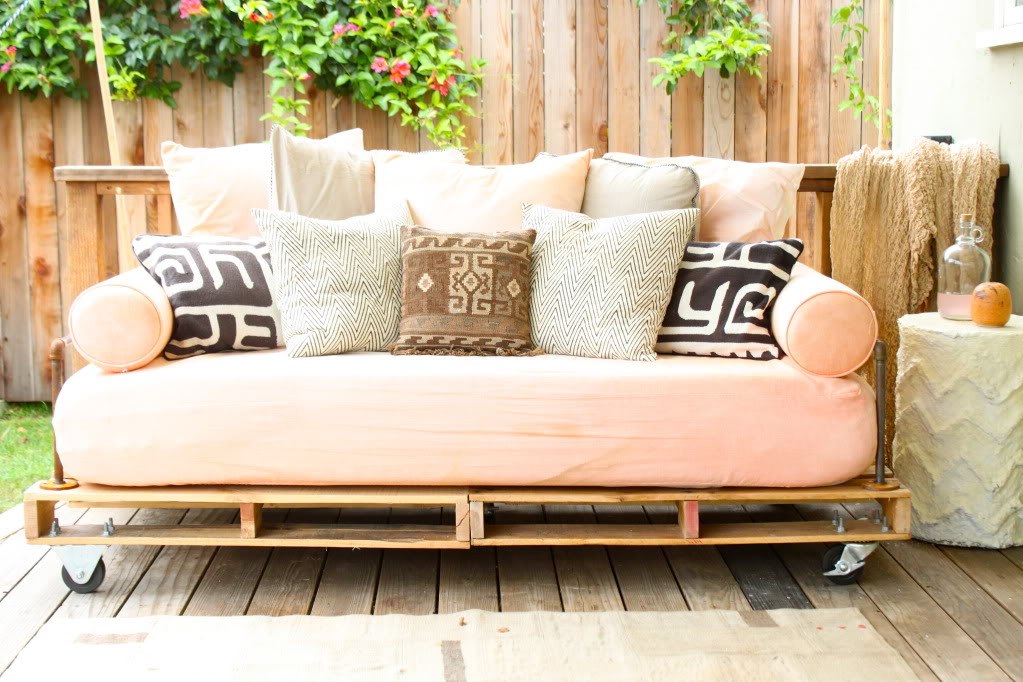 Pallet Patio Couch pallet patio furniture you could easily build yourself this summer