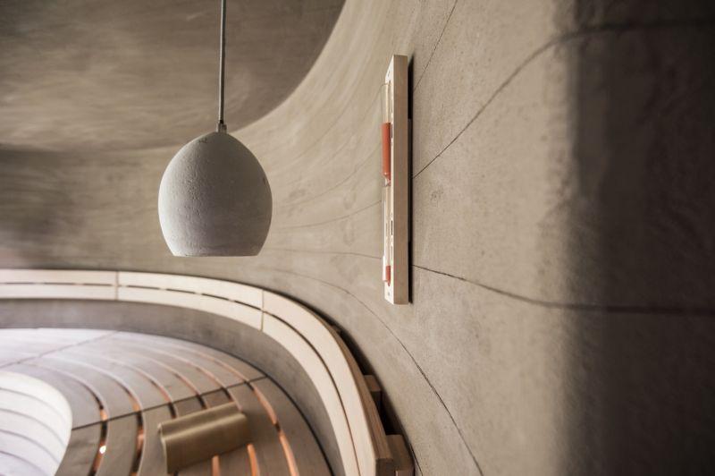 Applesauna pendant lamp and walls