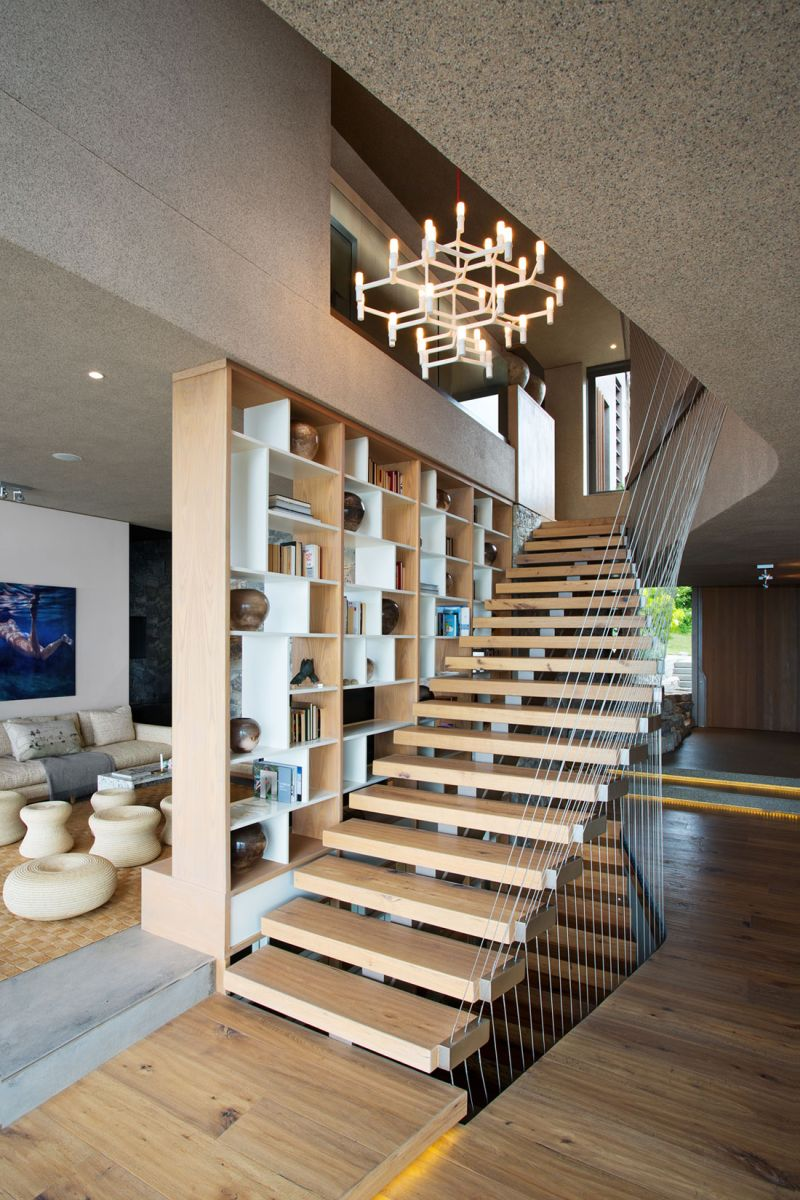 Beachyhead holiday home staircase chandelier