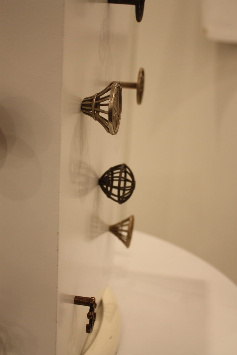 The knobs are just as beautiful in profile as they are from the top. the delicate structure makes the knobs stand out.