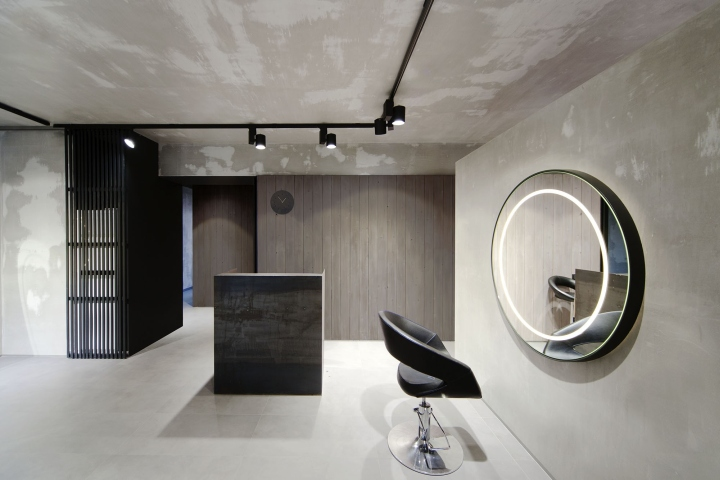 Beauty Salon Numero Uno Design ceiling