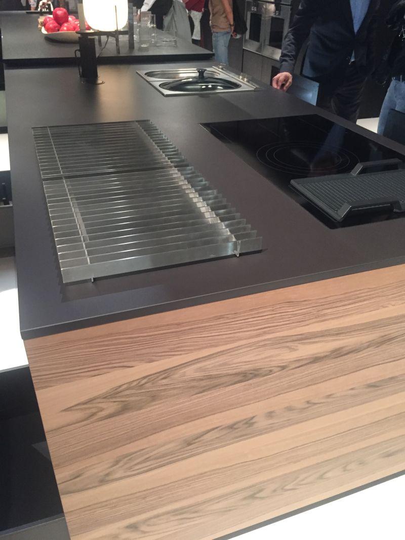Blending wood and black countertop