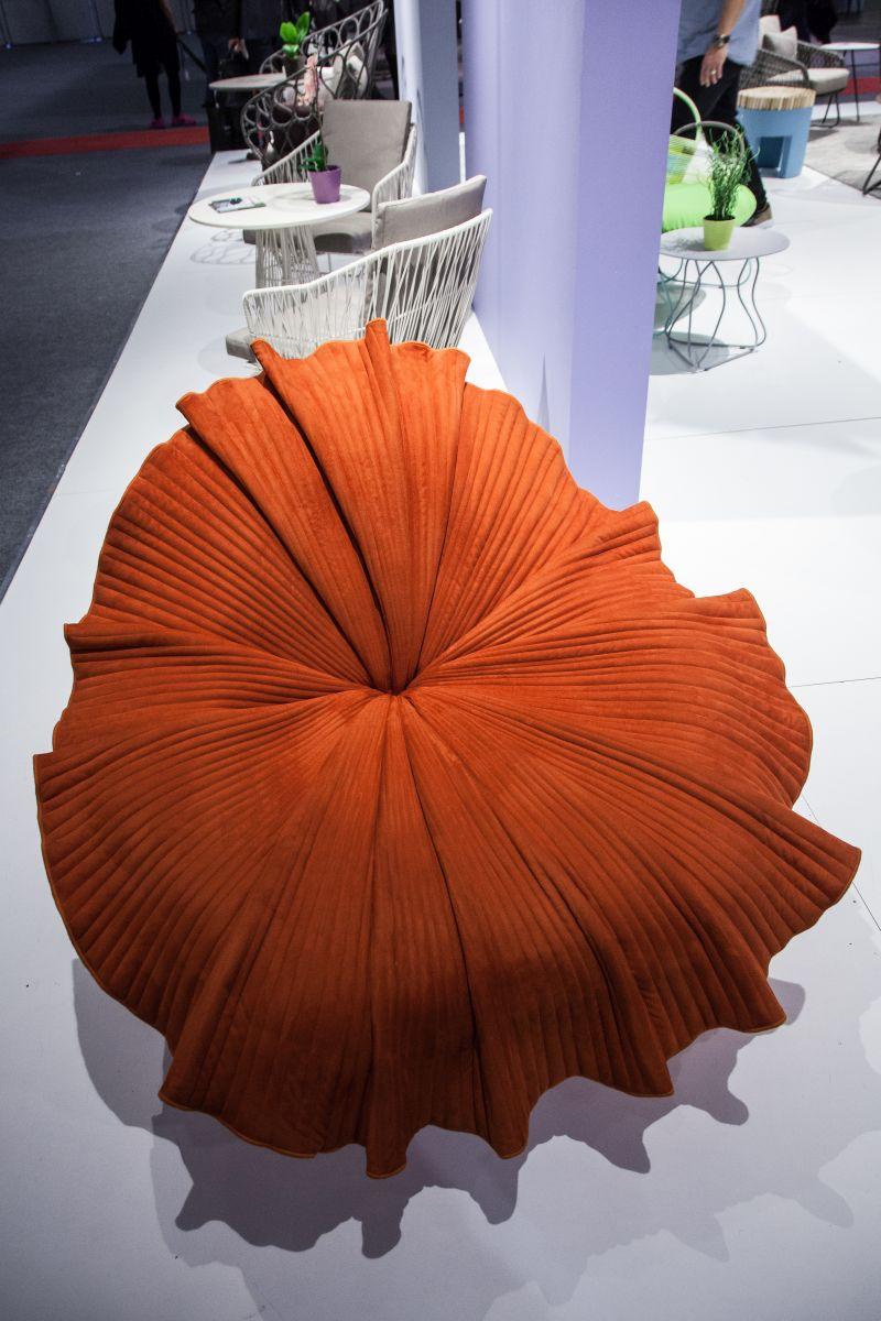 Bloom orange Chair