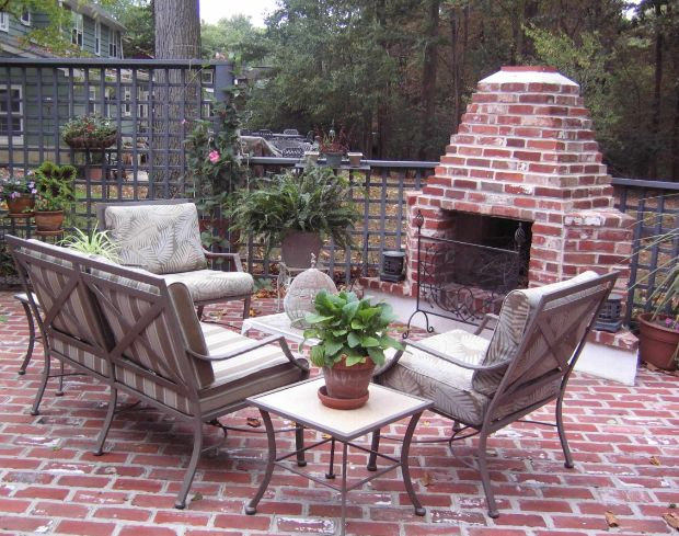 How To Lay A Brick Patio - Tips And Design Ideas on Small Brick Patio Ideas id=18006