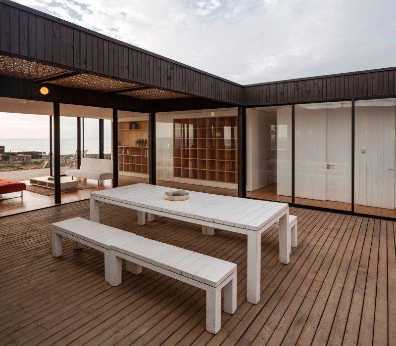 Casa C14 outdoor dining room