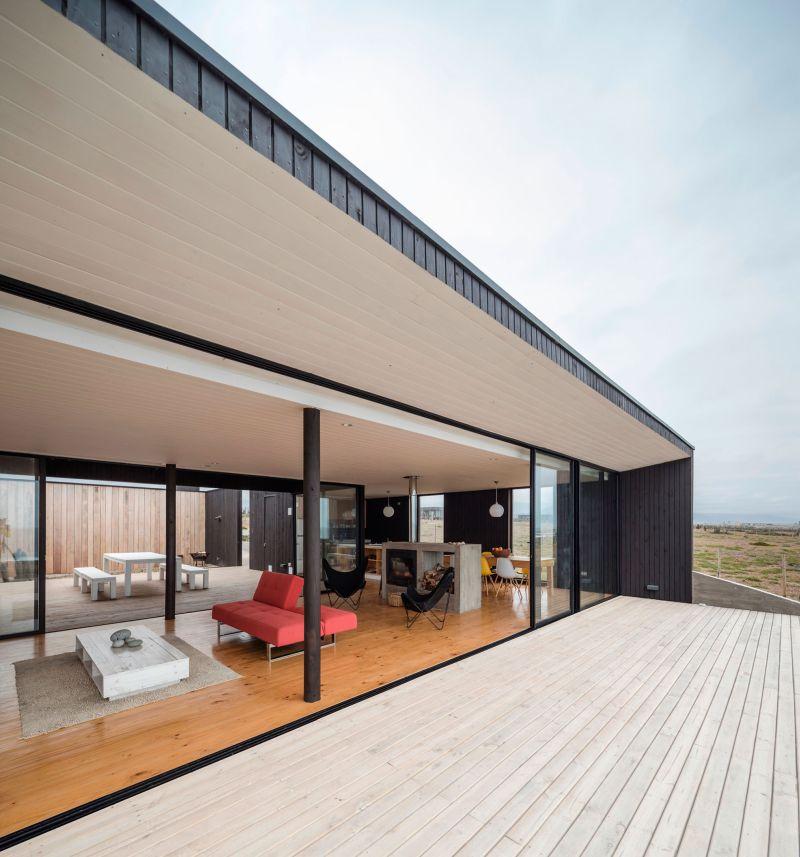 Casa C14 sliding glass walls
