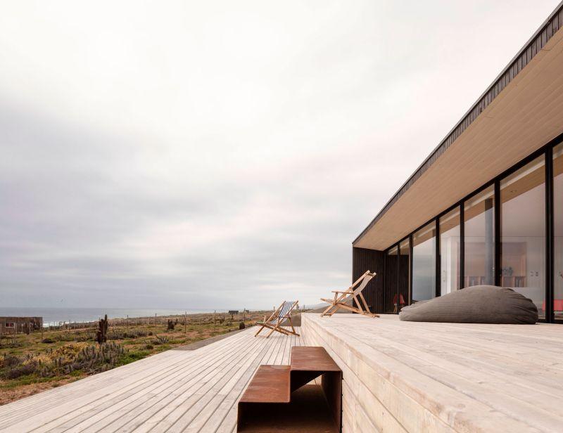 Casa C14 wooden deck