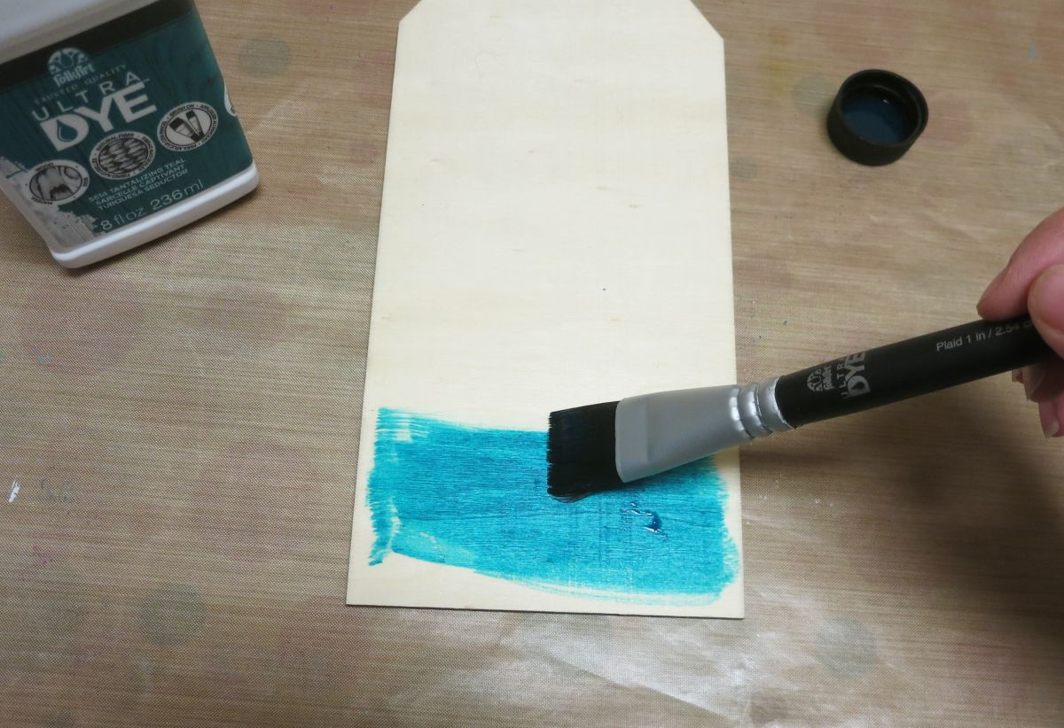 Coastal Themed Wood Tag Paint