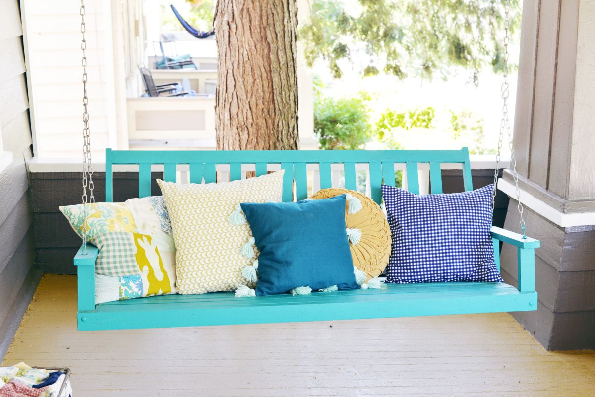 DIY Tassel Pillow-Pillows on Hanging Bench