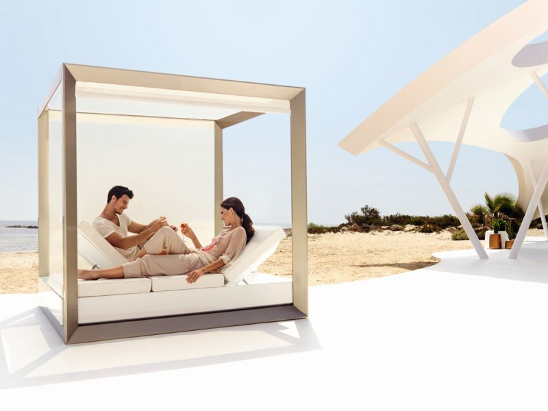 Double recliner canopy bed