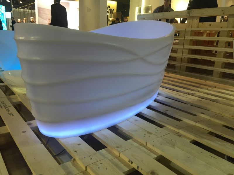 Freestanding bathroom bathtub with High-Efficiency LED Lighting