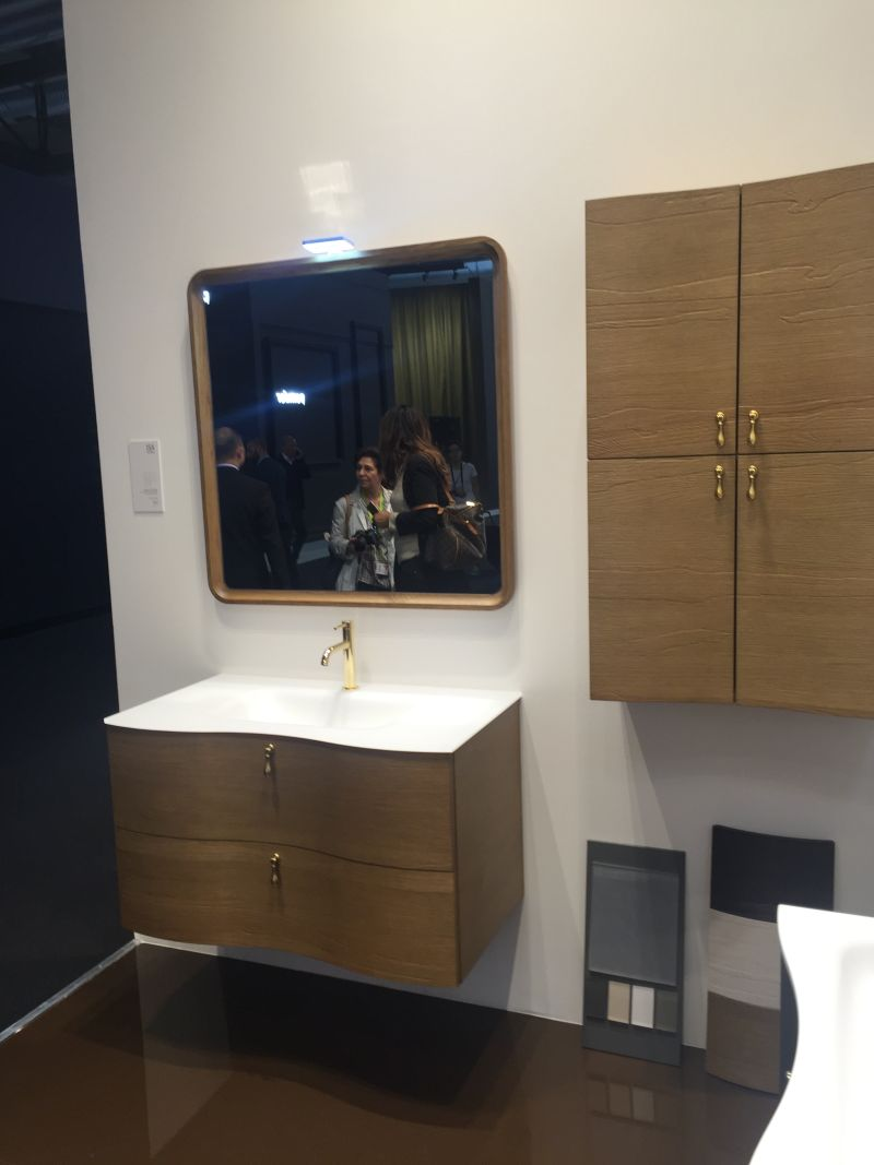 Gold accents for bathroom vanity drawers