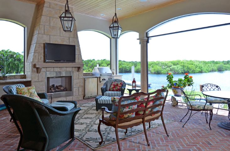Lake brick patio design