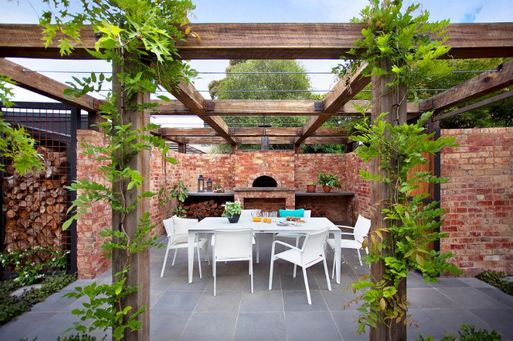 Large wood beams and bricks walls