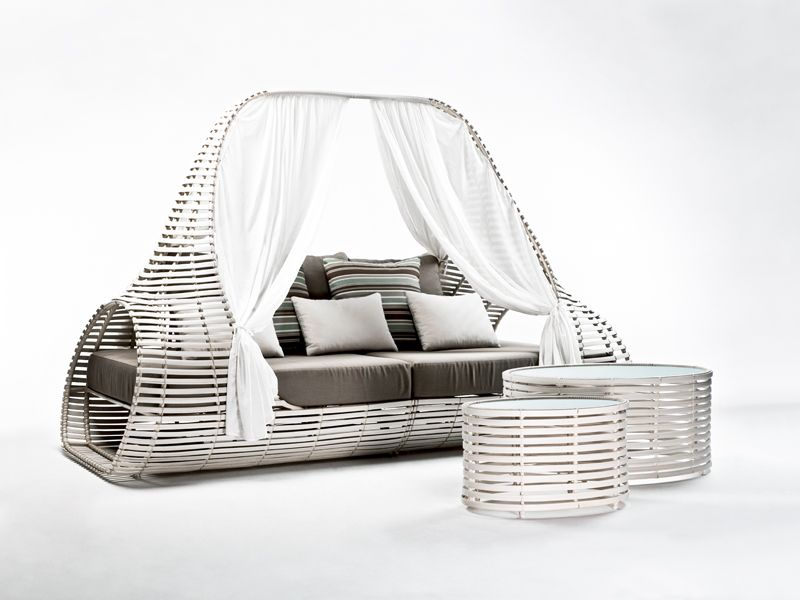 Lolah canopy bed