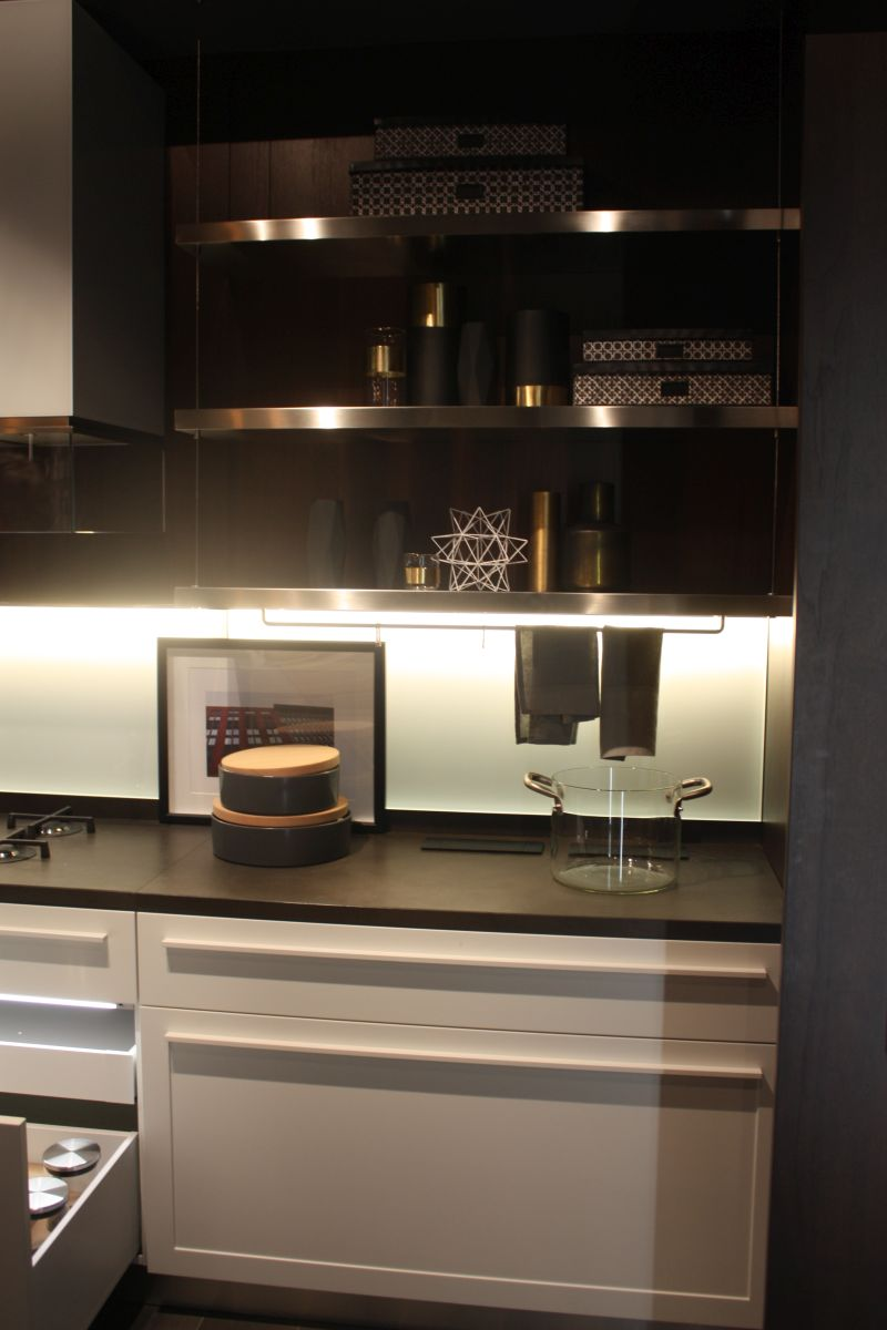 Metallic kitchen design with led under cabinet lighting