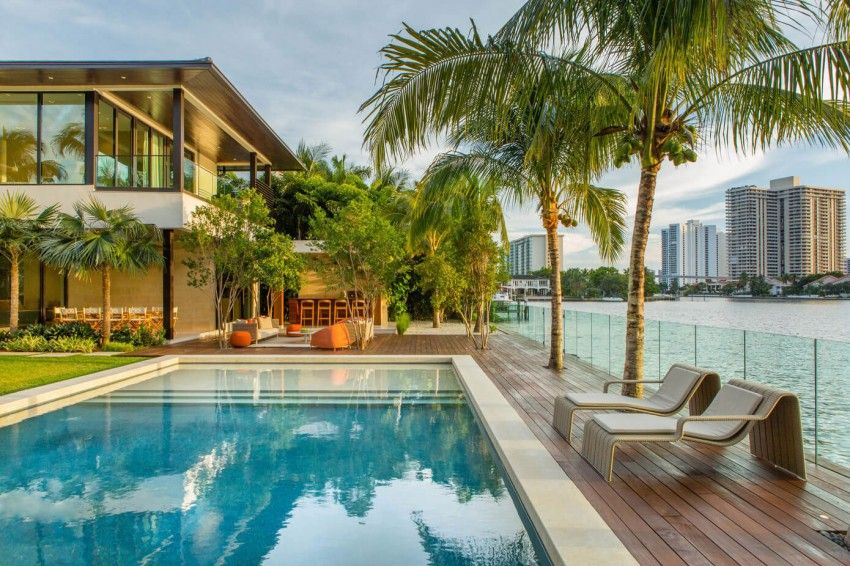 Miami house with ocean views