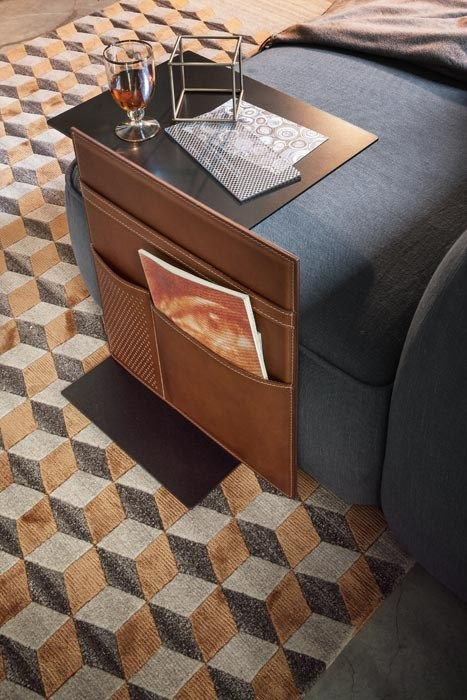 Note Lema side table