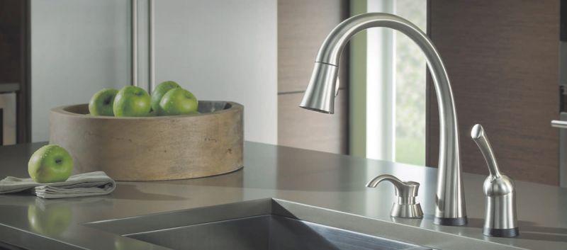 Pillar touch faucet