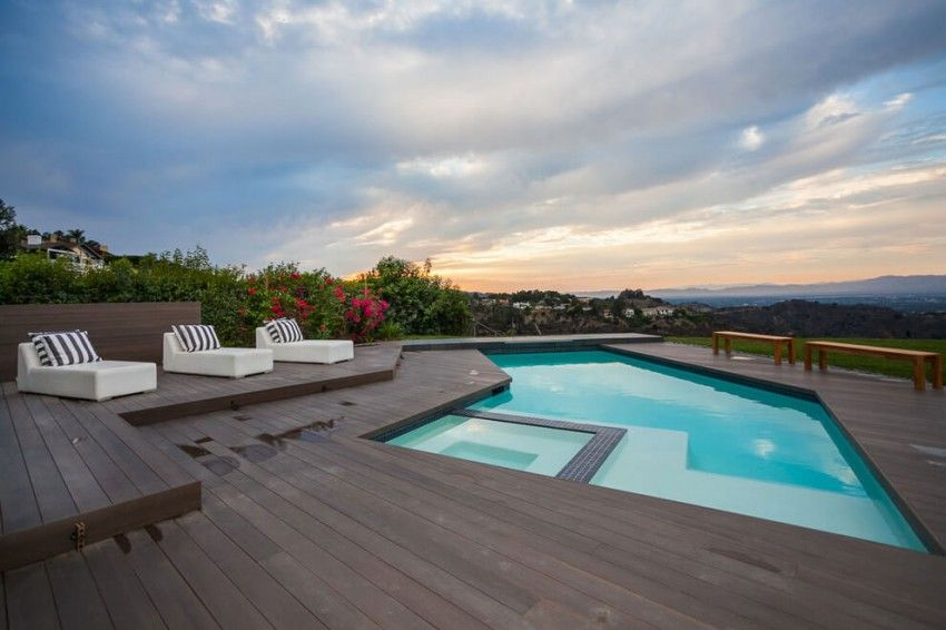 private home in los angeles california with a cool deck pool - Cool House Pools