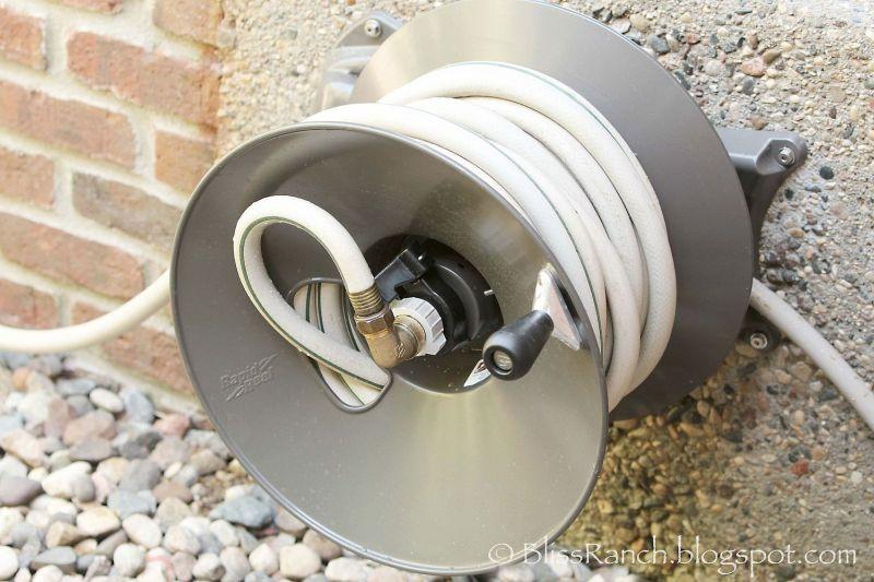 Rapid reel hose holder