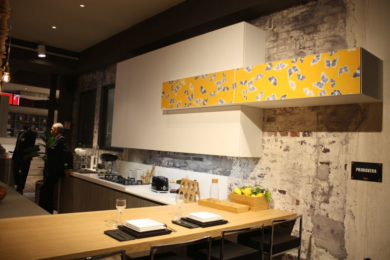 Removable wall decals in kitchen