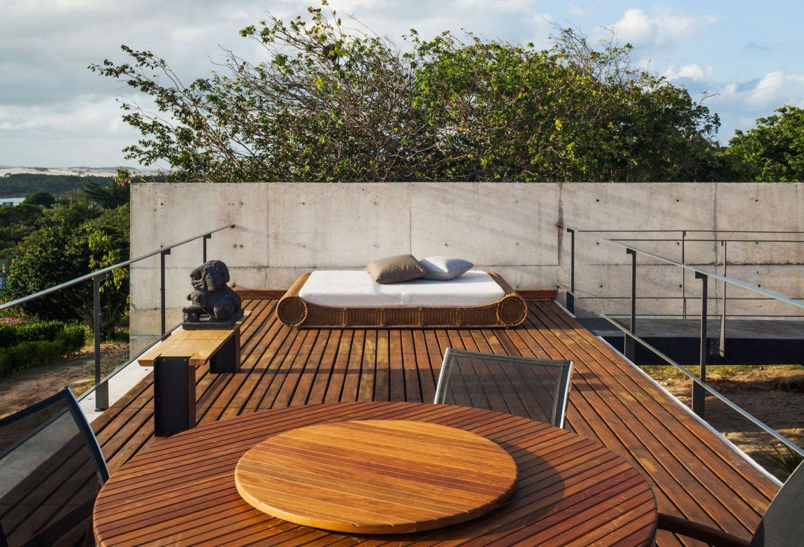 Rooftop outdoor living space area with deck for floor