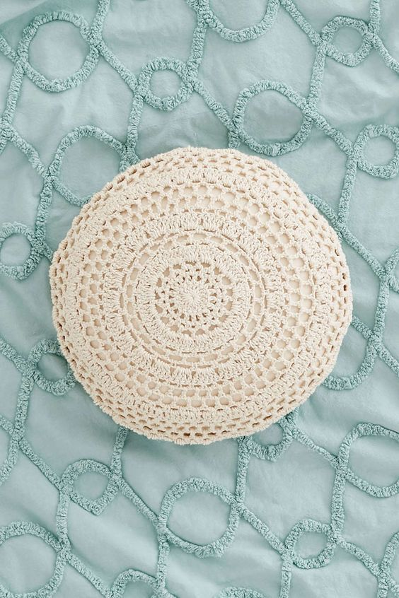 Shabby chic crocheted