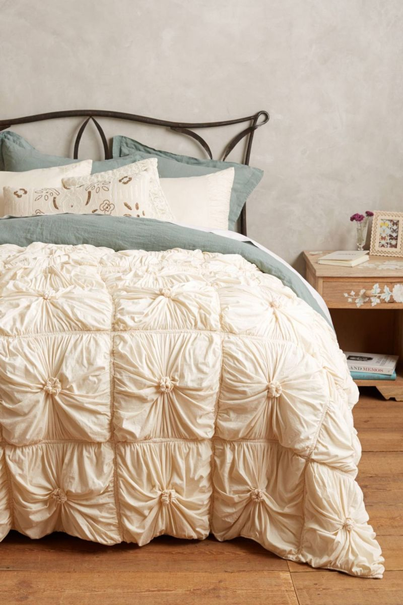 15 best picks for shabby chic bedding. Black Bedroom Furniture Sets. Home Design Ideas