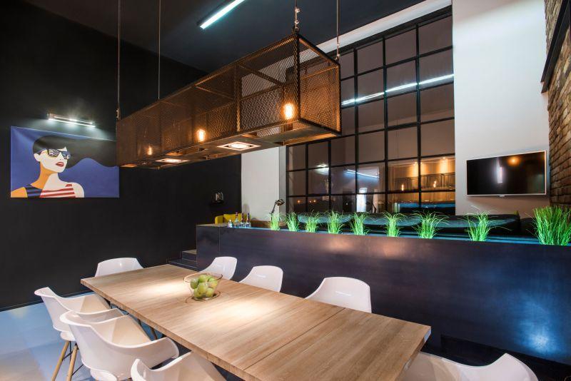 Studio Loft in Barcelona chandelier closeup