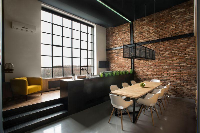 Studio Loft in Barcelona dining area and bar