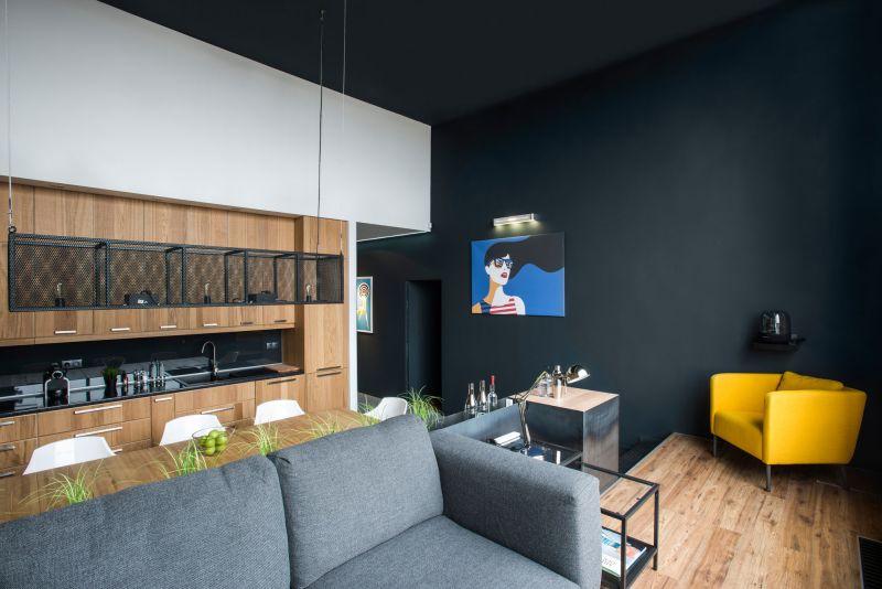 Studio Loft in Barcelona yellow chain in lounge
