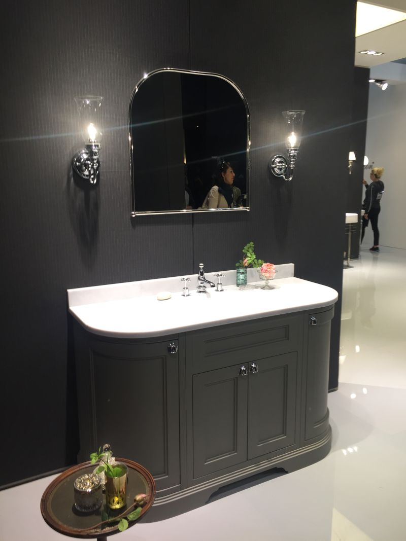 Bathroom Vanities - How To Pick Them So They Match Your Style for traditional bathroom vanity designs  174mzq