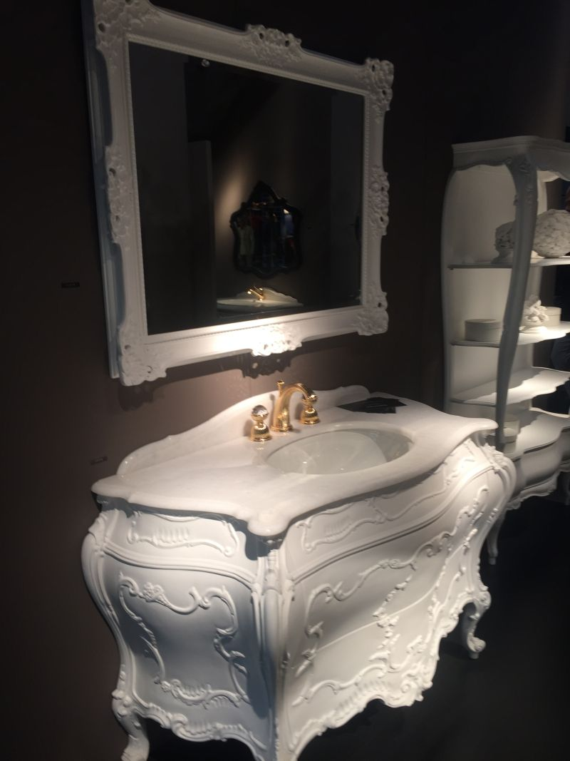 traditional somptuous bathroom vanity - Luxurious Bathroom Vanity