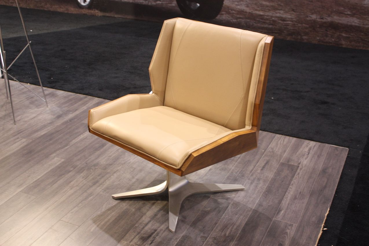 Modern Chair With Mid Century Style Flair    This Would Be Perfect In A