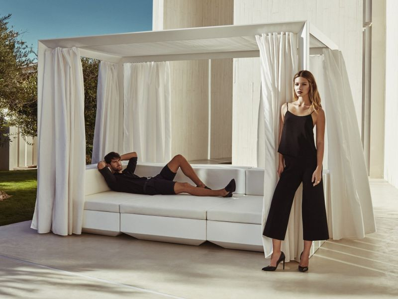Vela canopy bed from Vondom