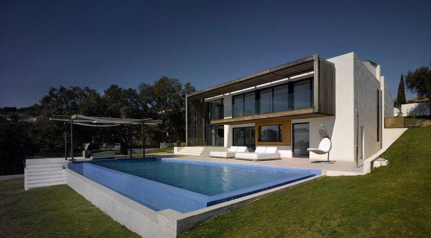 Villa brash saint trope
