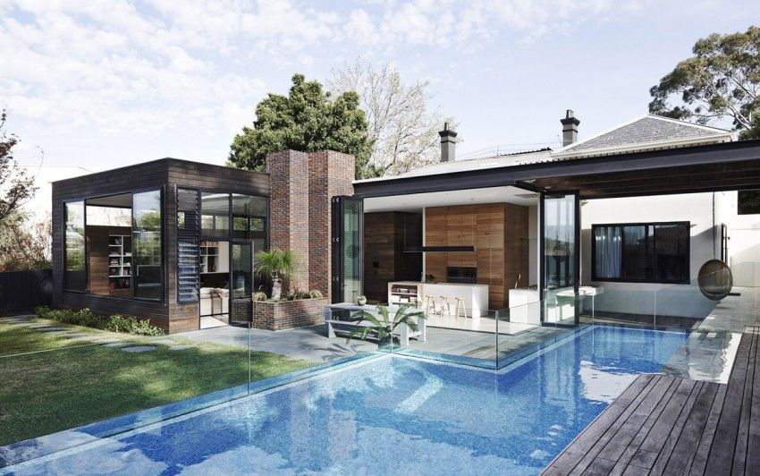 Zig zag pool edge house in Astralia Malvern