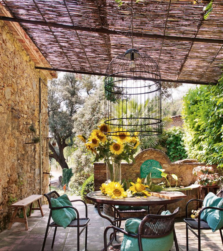 covered pergola or terrace