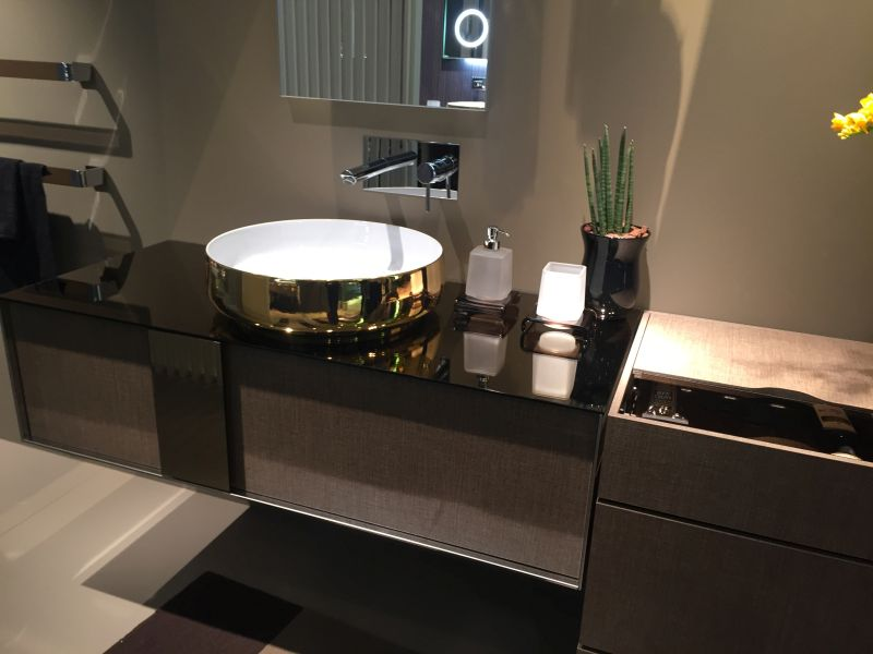 Delicieux Shiny Metallic Sink Exterior