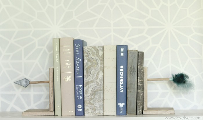 Arrow-shaped bookends