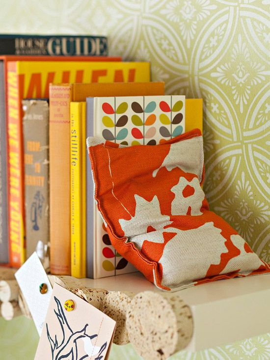 Bookends fabric puch with sand