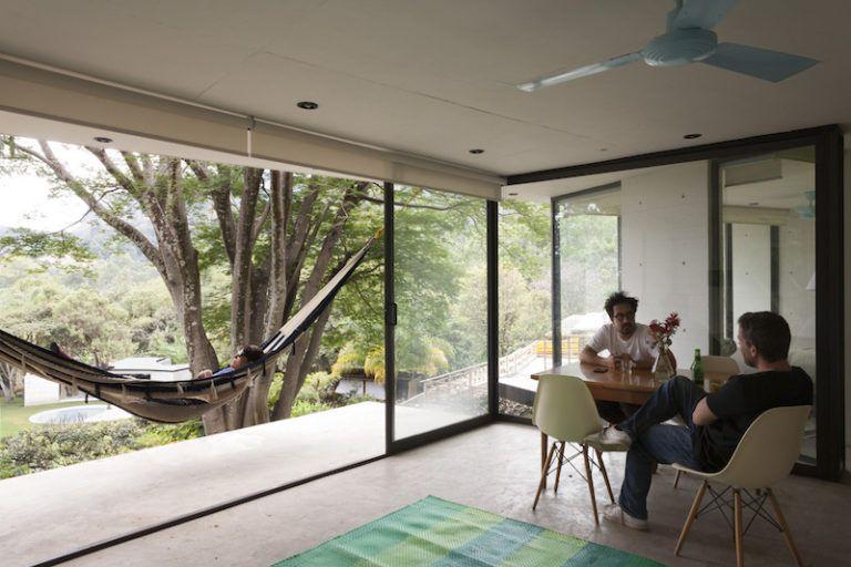 Contemporary cabin in Mexico dining area