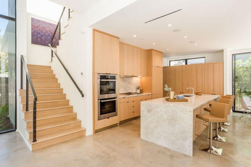 Contemporary home in Californian hillside kitchen