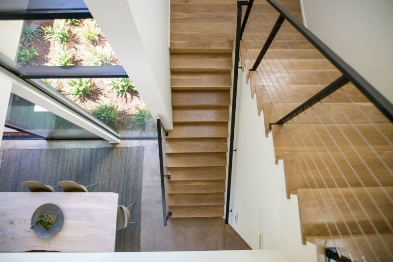 Contemporary home in Californian hillside staircase