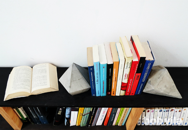 DIY bookends from Concrete