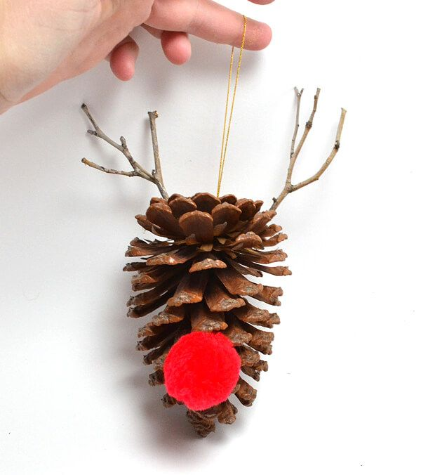 DIY pine cone ornament deer