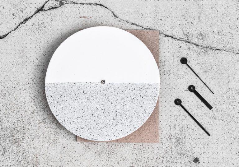Design Component Clock Atach mechanism